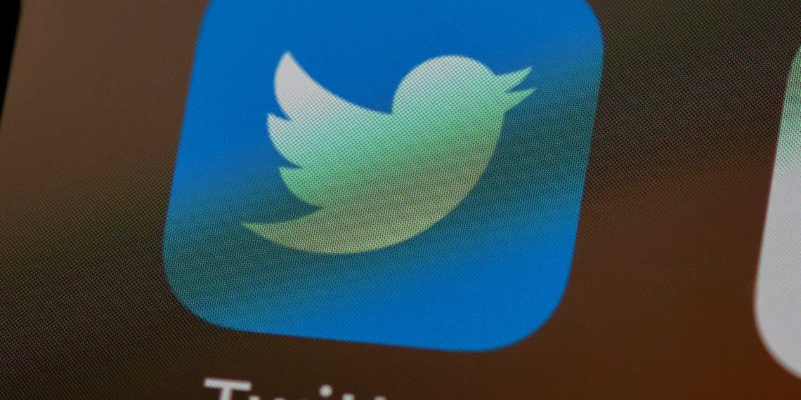 Preço do Twitter pago no Brasil vaza na App Store. Confira o valor | Imagem: Unsplash