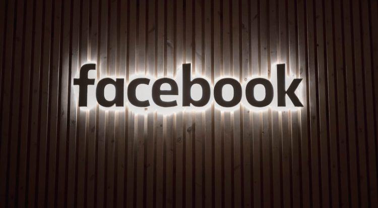 Facebook explica motivo que deixou serviços indisponíveis na tarde desta segunda-feira (4)   Imagem: Unsplash
