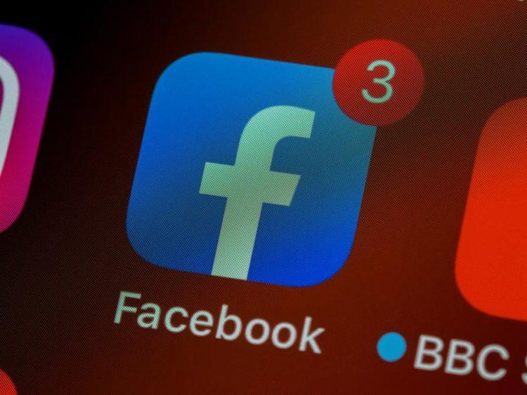 Facebook fora do ar: serviços da empresa passam por instabilidade nesta segunda-feira (4)   Imagem: Unsplash